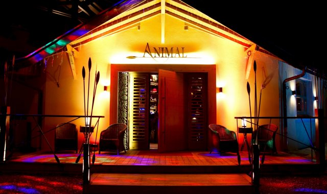 Animal Lodge Bar à Ville la Grand